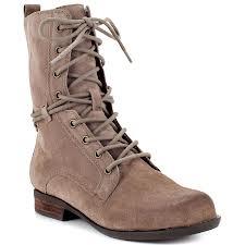 laces boots