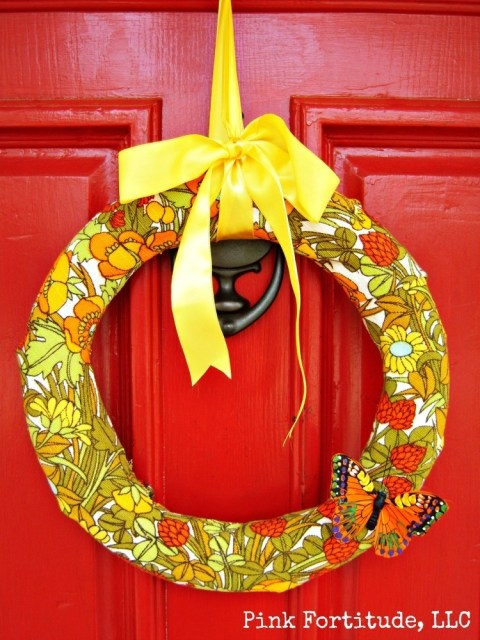 DIY Vintage 70's Floral Wreath by coconutheadsurvivalguide.com