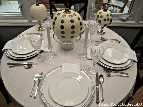 White and Silver Pumpkin Tablescape by coconutheadsurvivalguide.com #halloween #fall