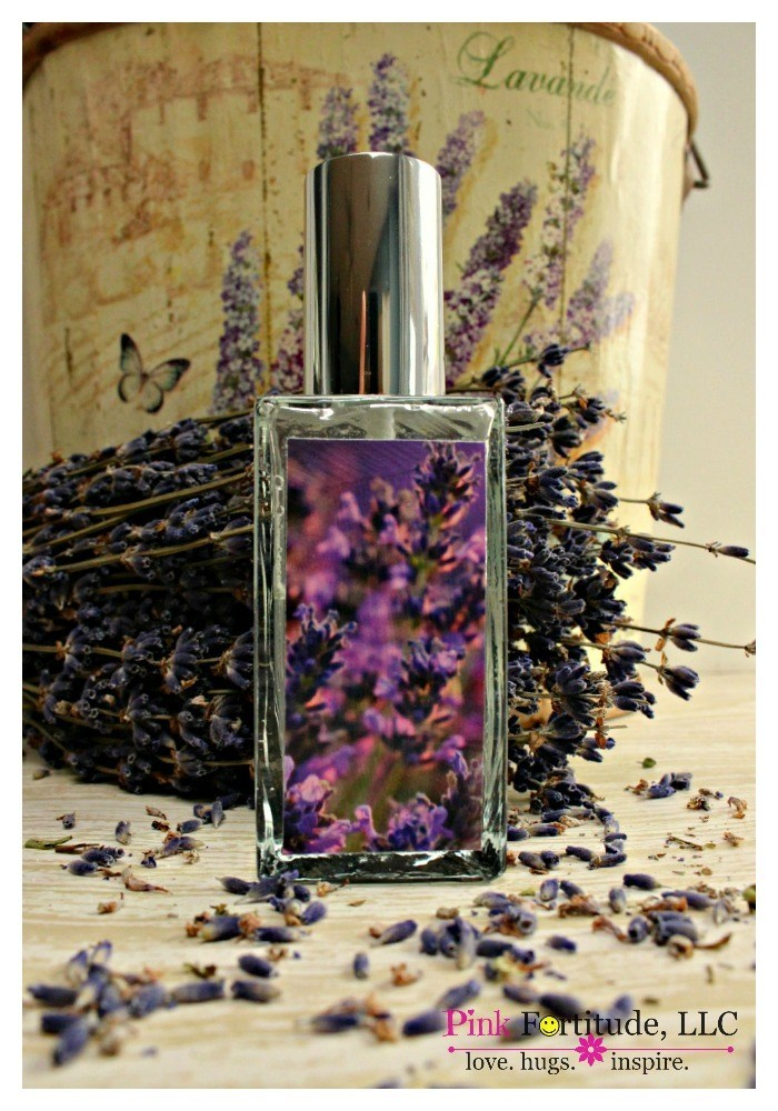 DIY Lavender Linen Spray by coconutheadsurvivalguide.com #essentialoils