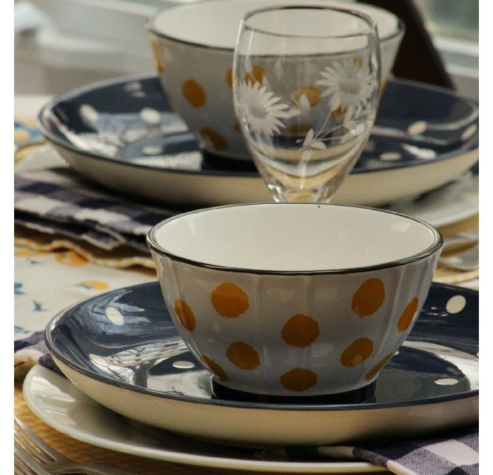 Blue and Yellow Polka Dot Tablescape