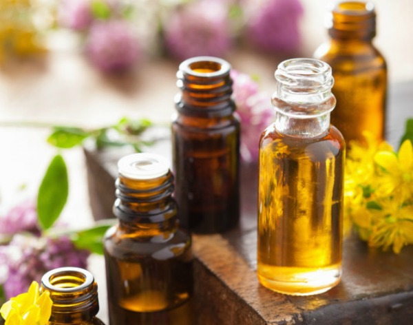 The Top Resources and Items You Need with Your Essential Oils