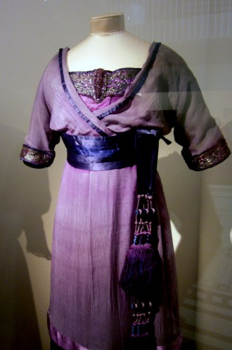 Evening dress 1912 V&A museum London