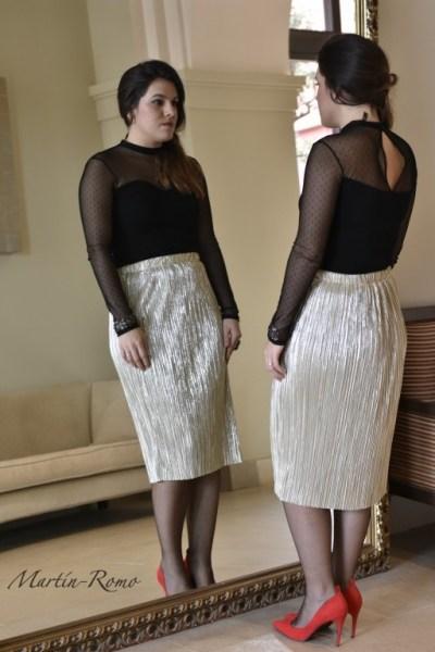 falda midi dorada