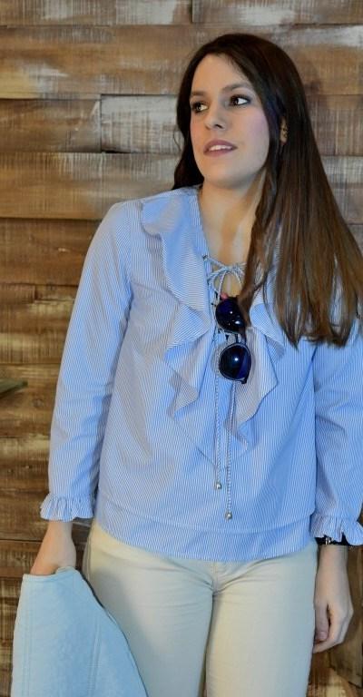 Blusa azul de rayas