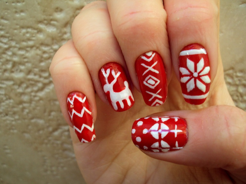 Christmas Nail Art Easy And Simple Design Ideas