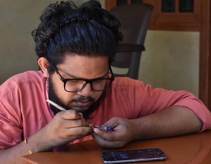 Meet Adarsh, The Artist Who Creates Micro Art Using Pencil Lead
