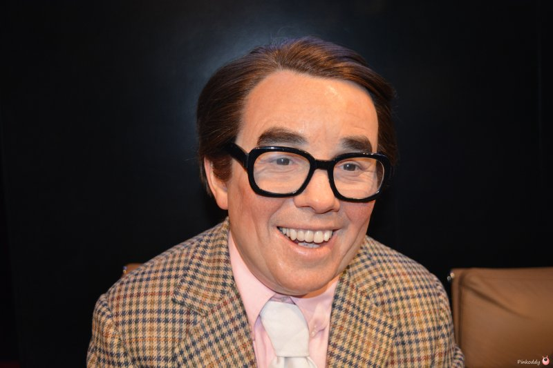 Ronnie Corbett Visit Blackpool with a Merlin Annual Pass