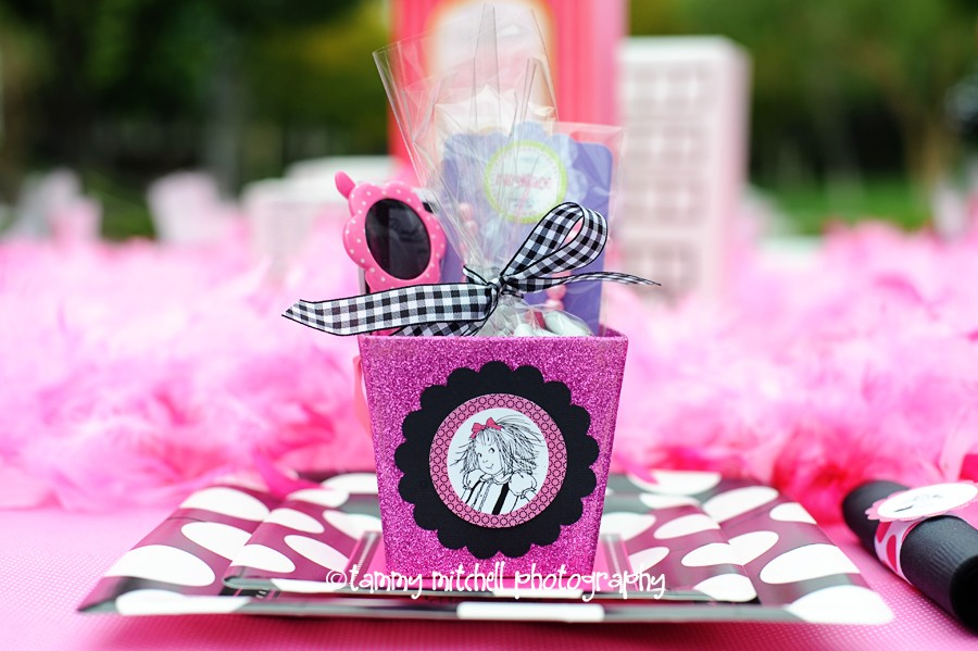 Girl Parties: Eloise Party Ideas