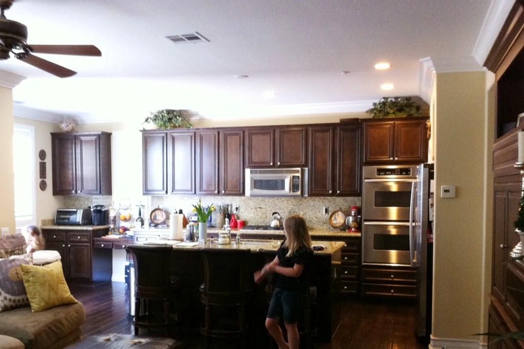 peo kitchen old backsplash