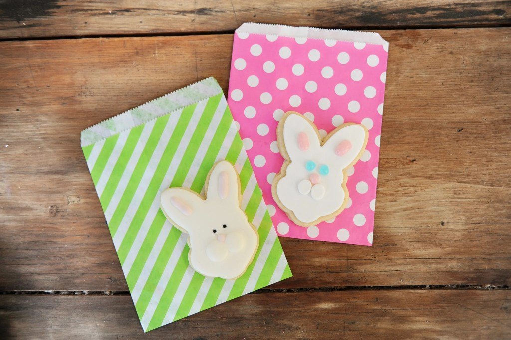 Easter Bunny Cookies | Easter Bunny Themed Treat Idea by Tammy Mitchell