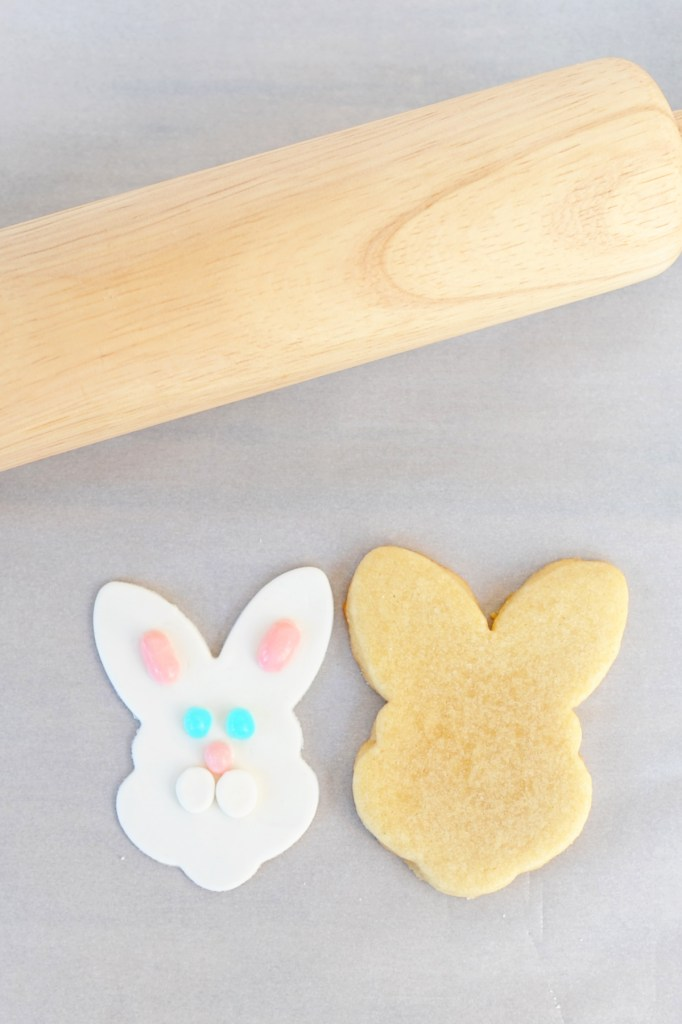 fondant bunny face next to cookie
