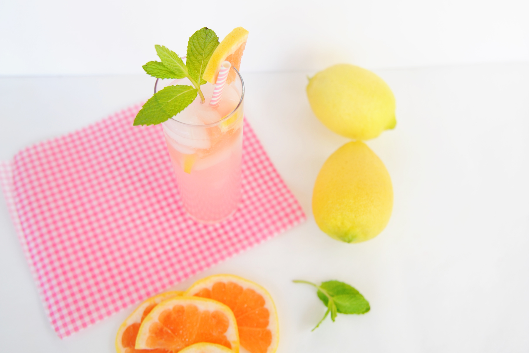 Delicious Grapefruit Spritzer Recipe