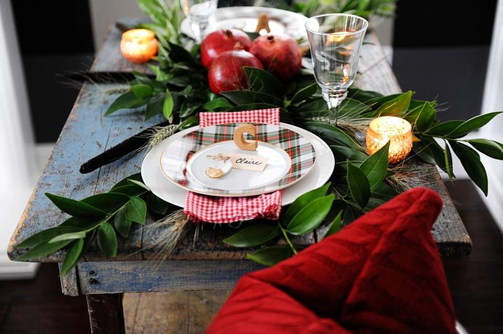 beautiful DIY holiday table settings