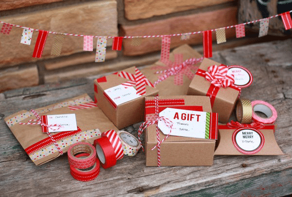 Great Gifts and Stocking Stuffers for the Girls in Your Life–$25 or less