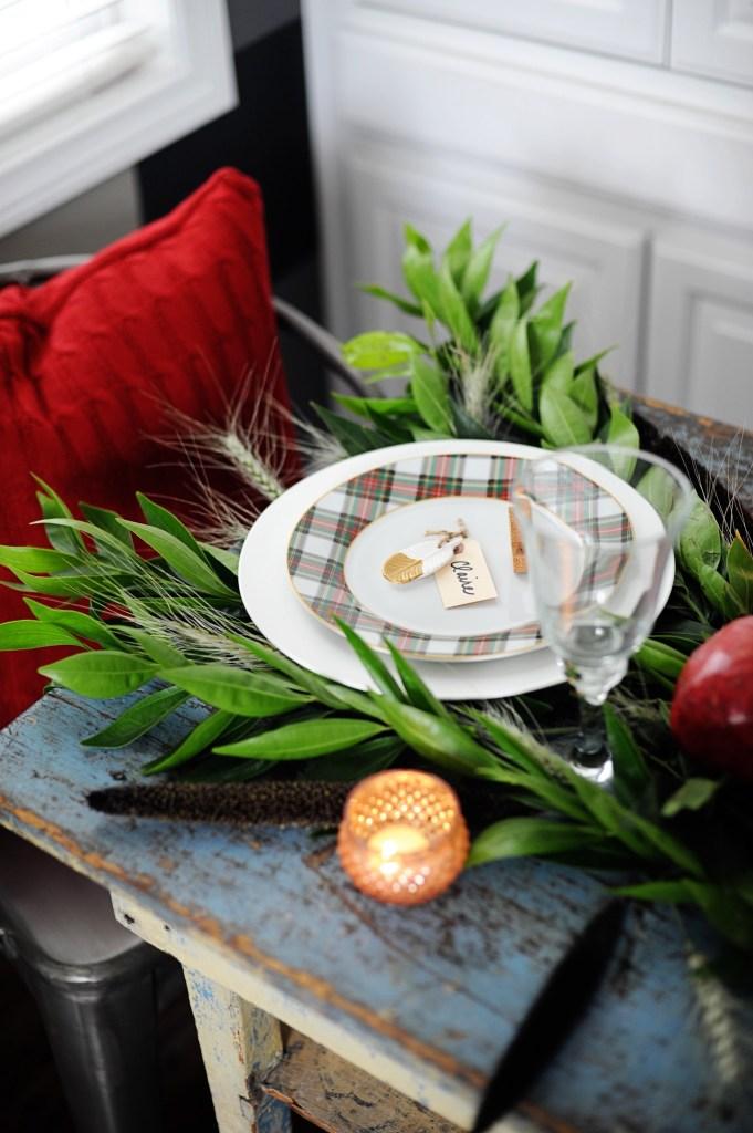 ideas for setting a christmas table