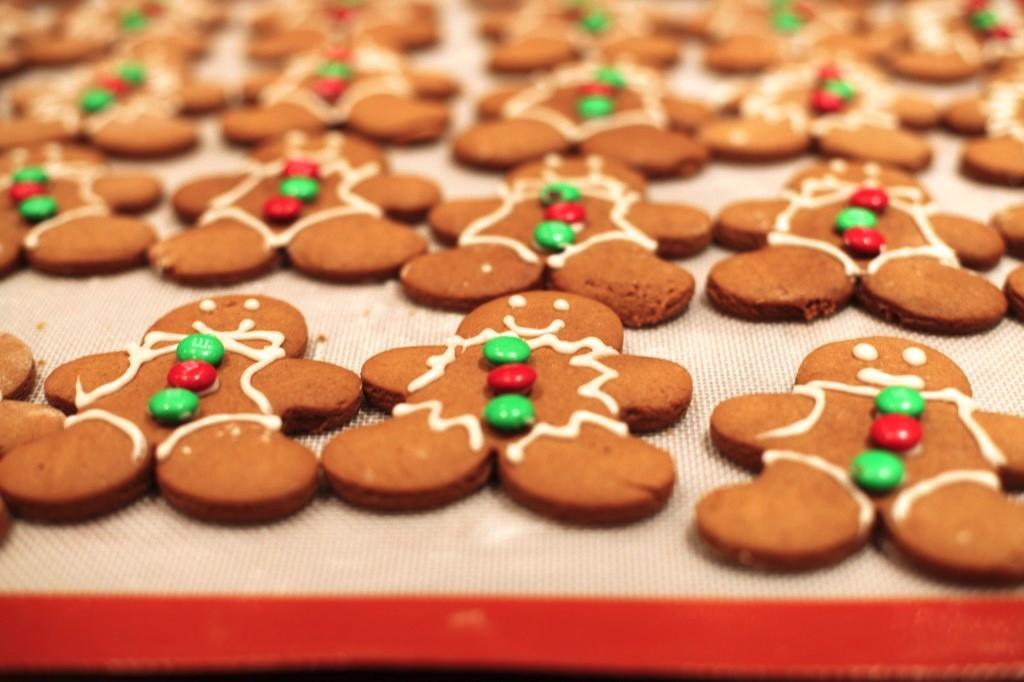 gingerbread cookie recipe  Pink Peppermint Design