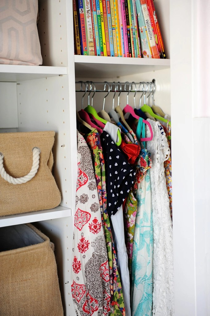 how to organize a kids closet