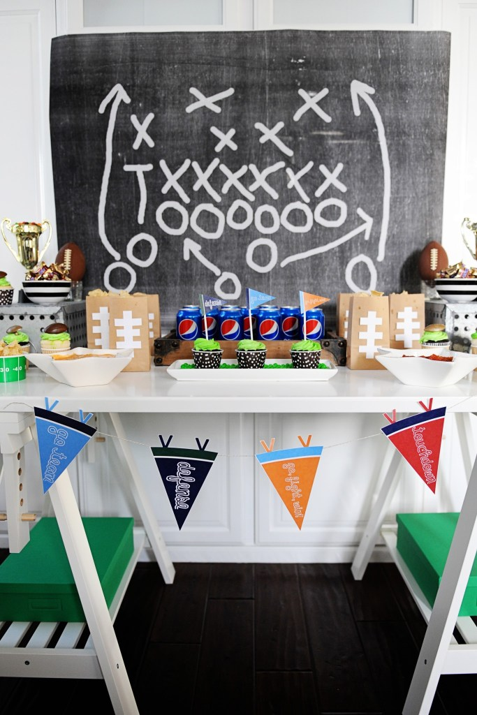 Football party pennants 3