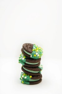 DIY: How to Make Chocolate Dipped Oreos : A Lucky Treat for St. Patrick's Day