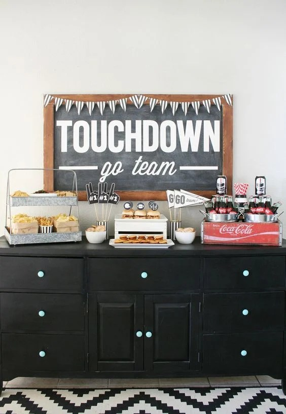 8 great Superbowl party ideas