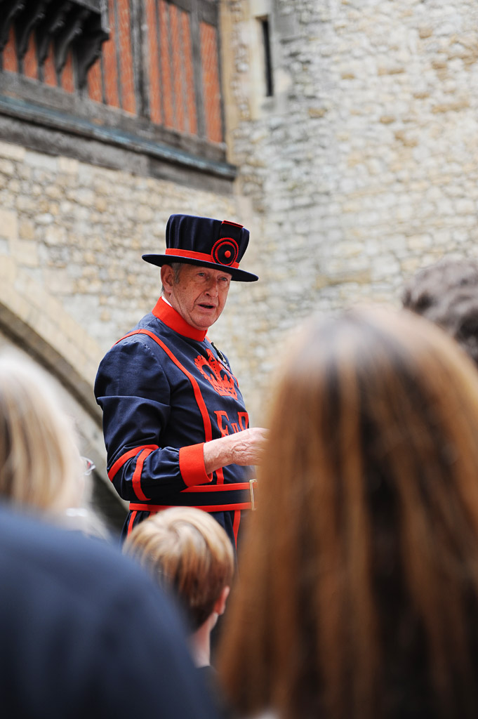tower of london tours with the beefeaters