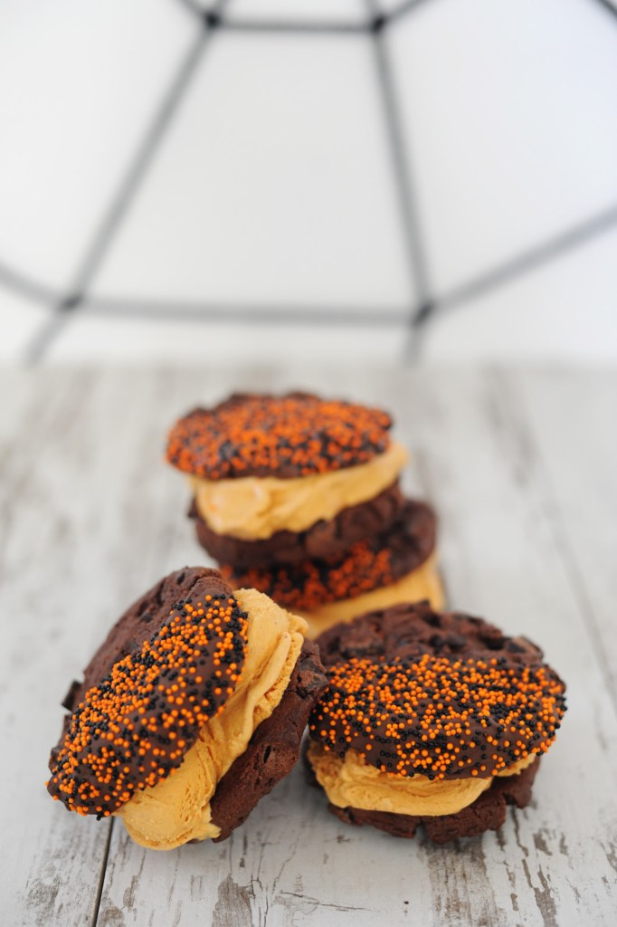 chocolate-pumpkin-ice-cream-sandwiches