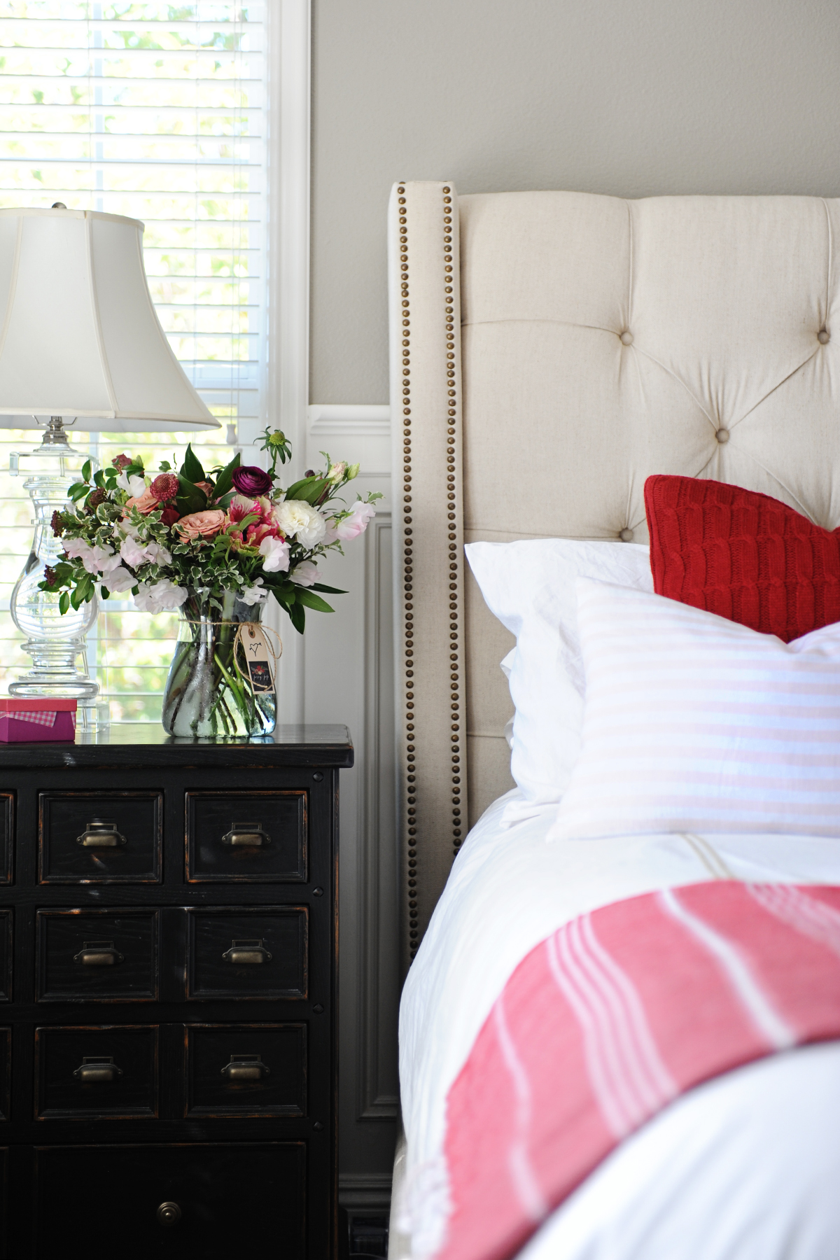 choosing nightstands for your bedroom