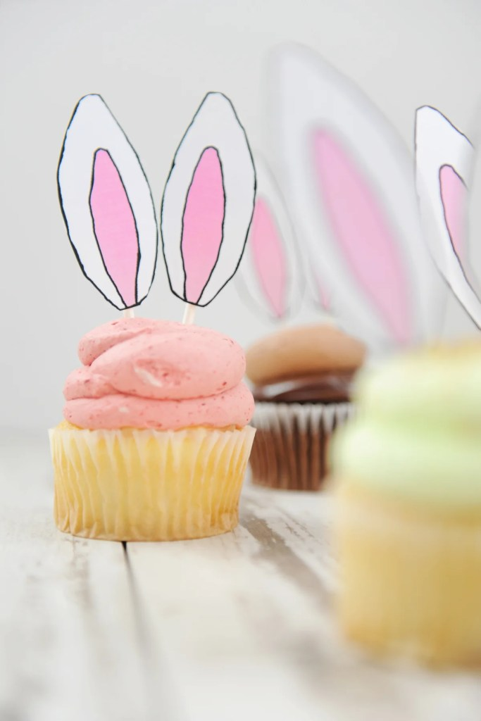 Easter Bunny Ear Cupcakes | Easter Bunny Themed Treat Idea by Tammy Mitchell