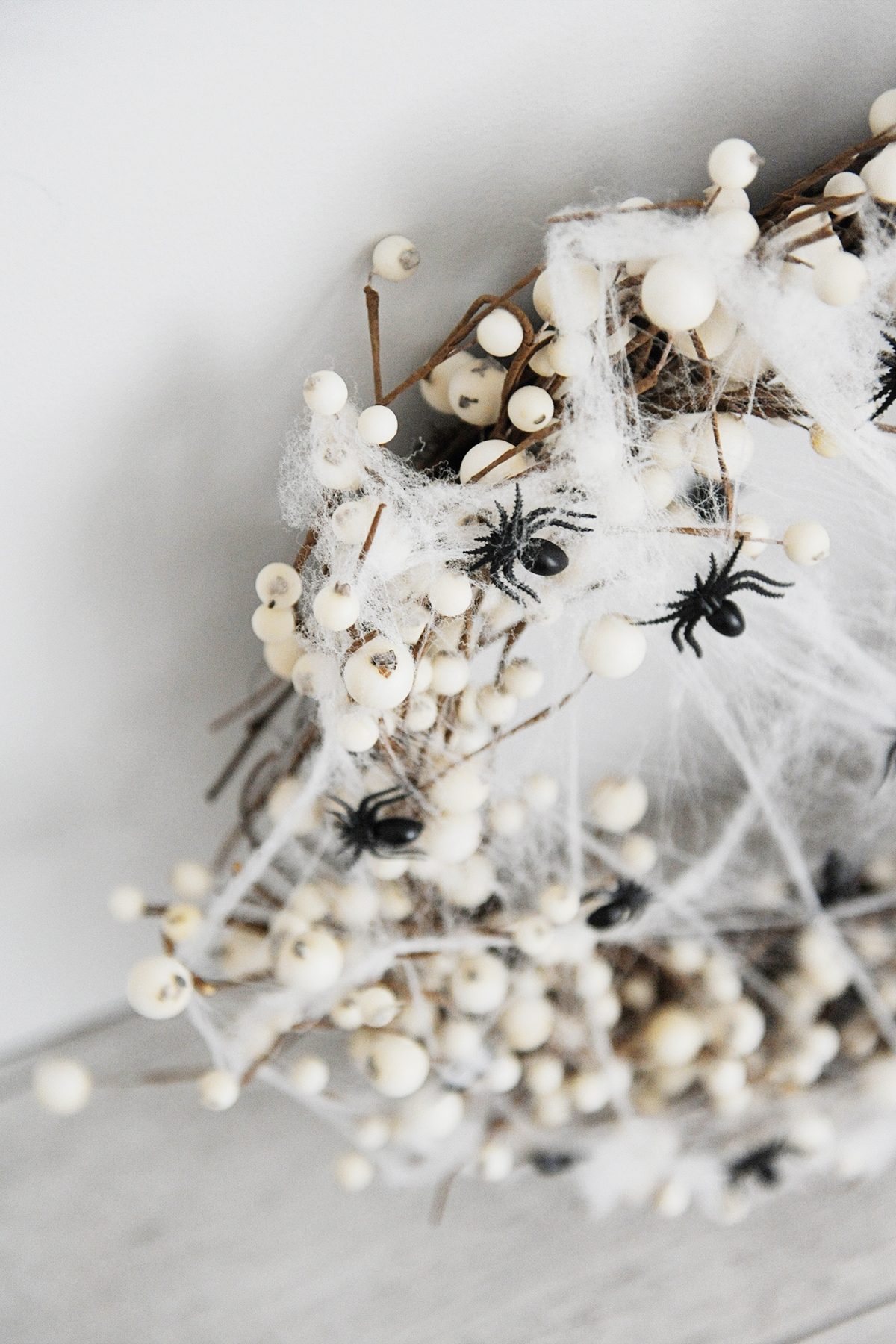 DIY spider wreath step 3