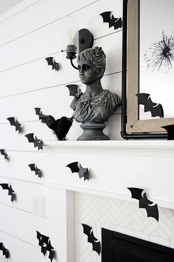 Cute Black and White Halloween Mantel Decor Ideas