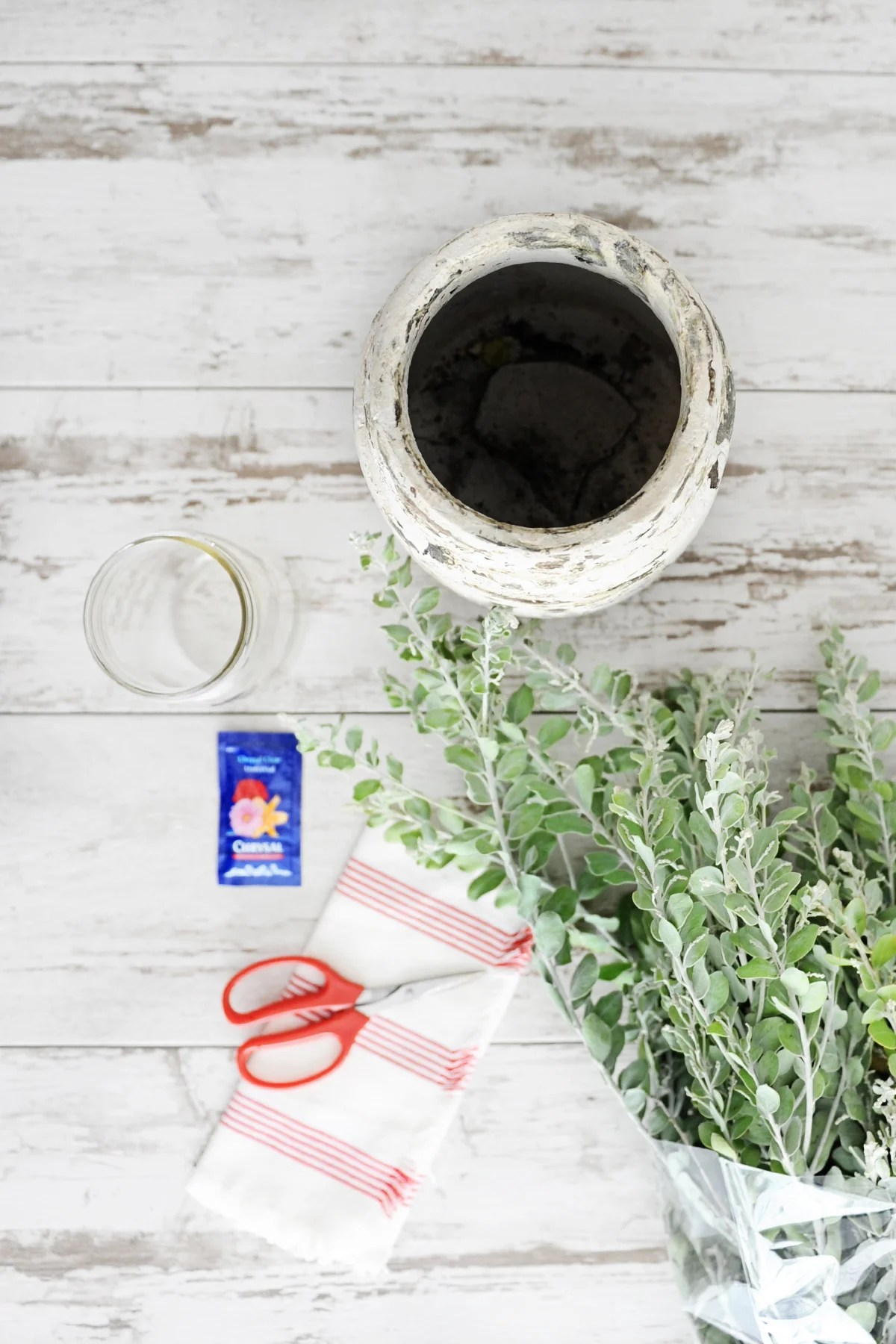 how to turn everyday items into a vase supplies needed
