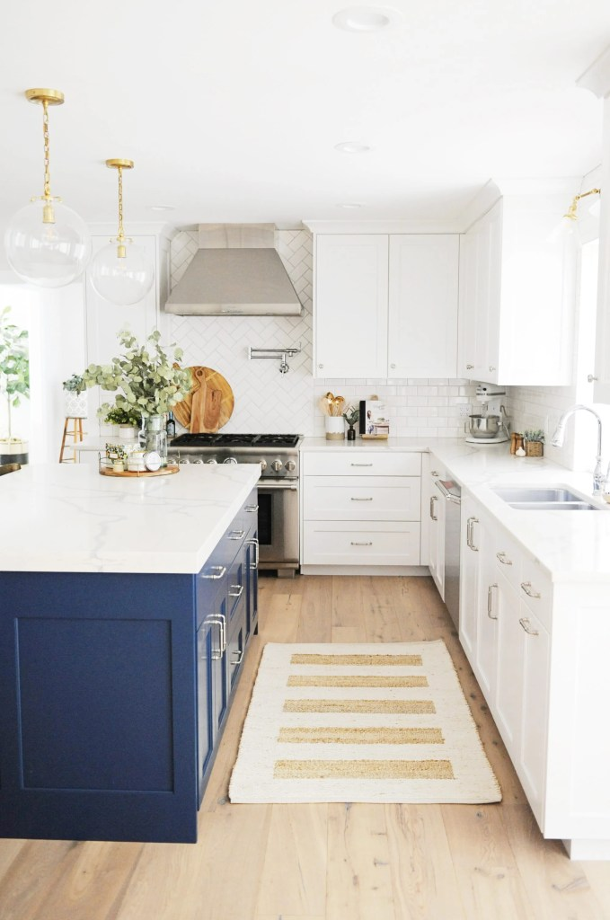 How to Accessorize Kitchen Countertops