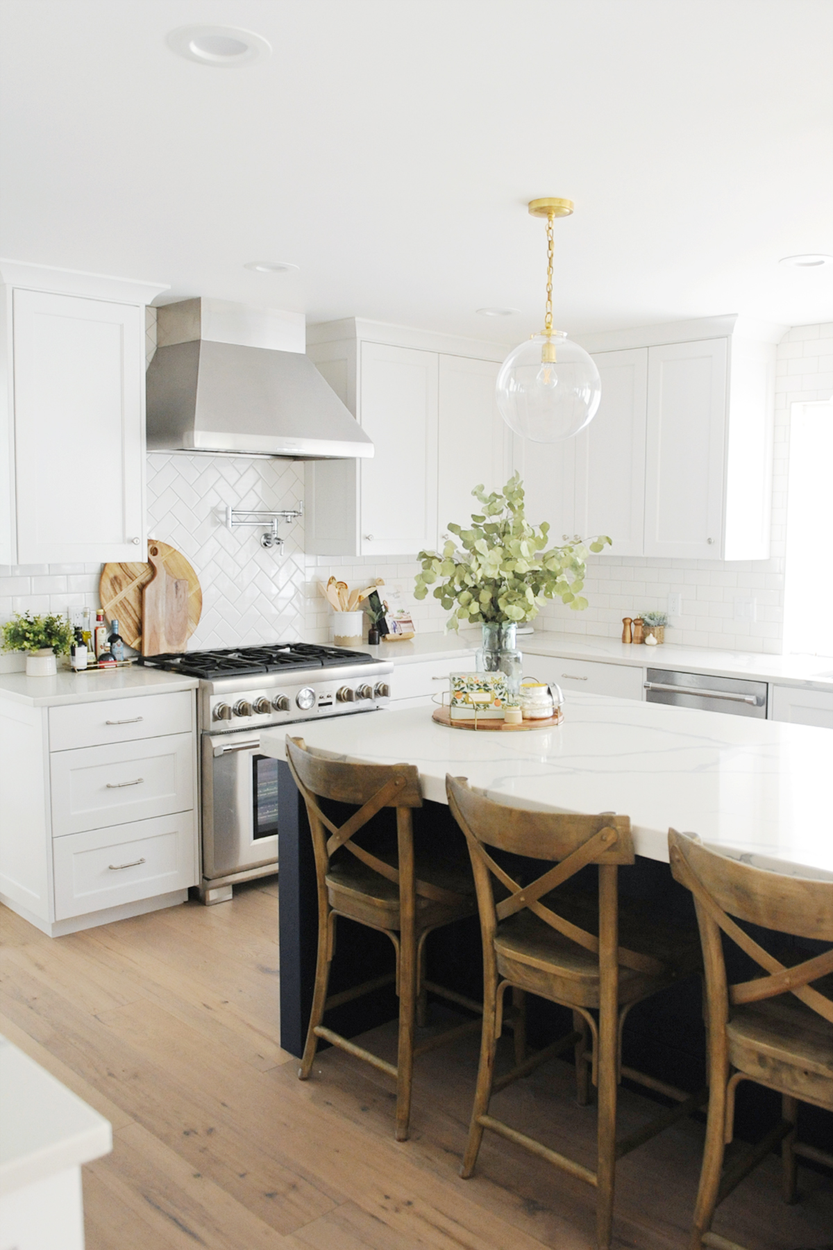 How to Accessorize Kitchen Countertops - Pink Peppermint ... on How To Decorate A Kitchen Counter  id=67341