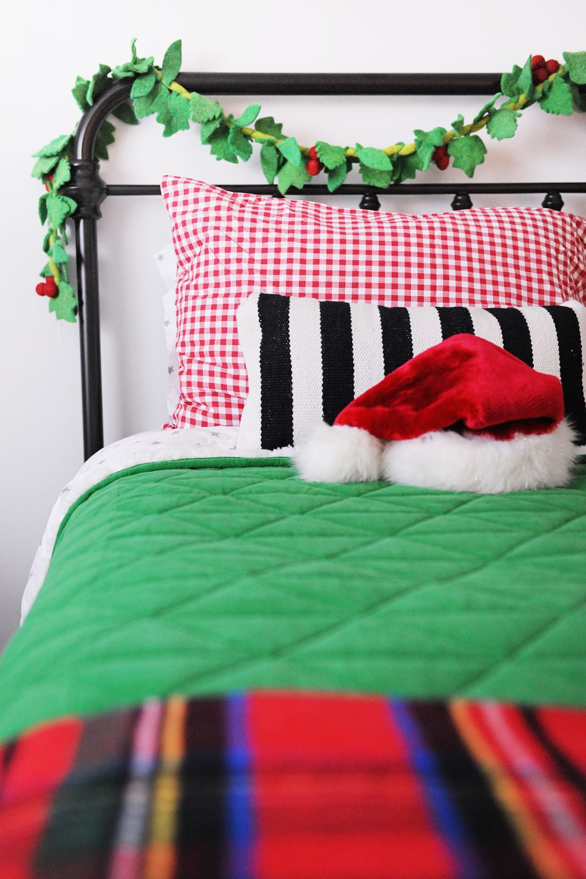 Christmas decorating ideas for bedrooms