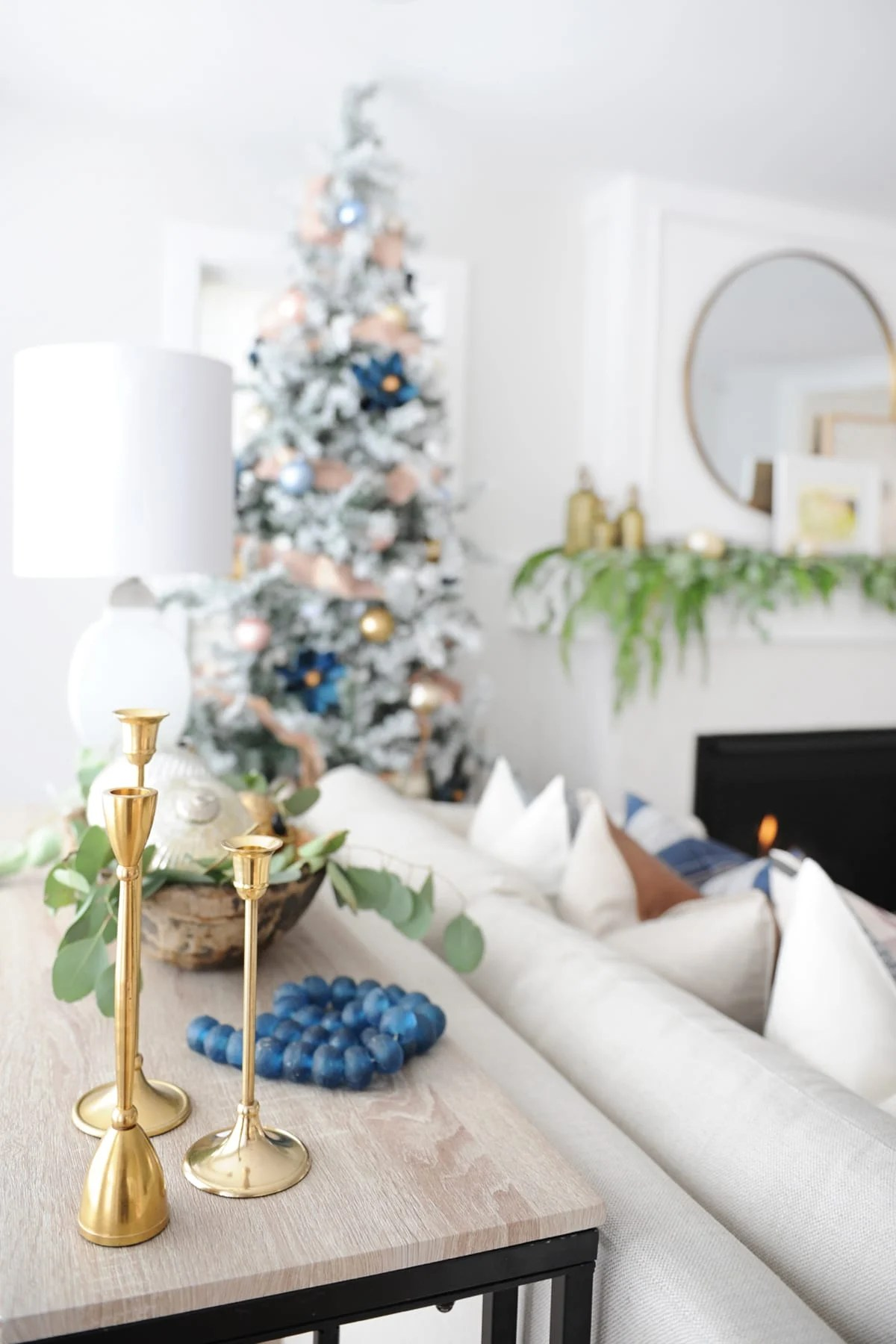 Christmas living room decorating ideas 17