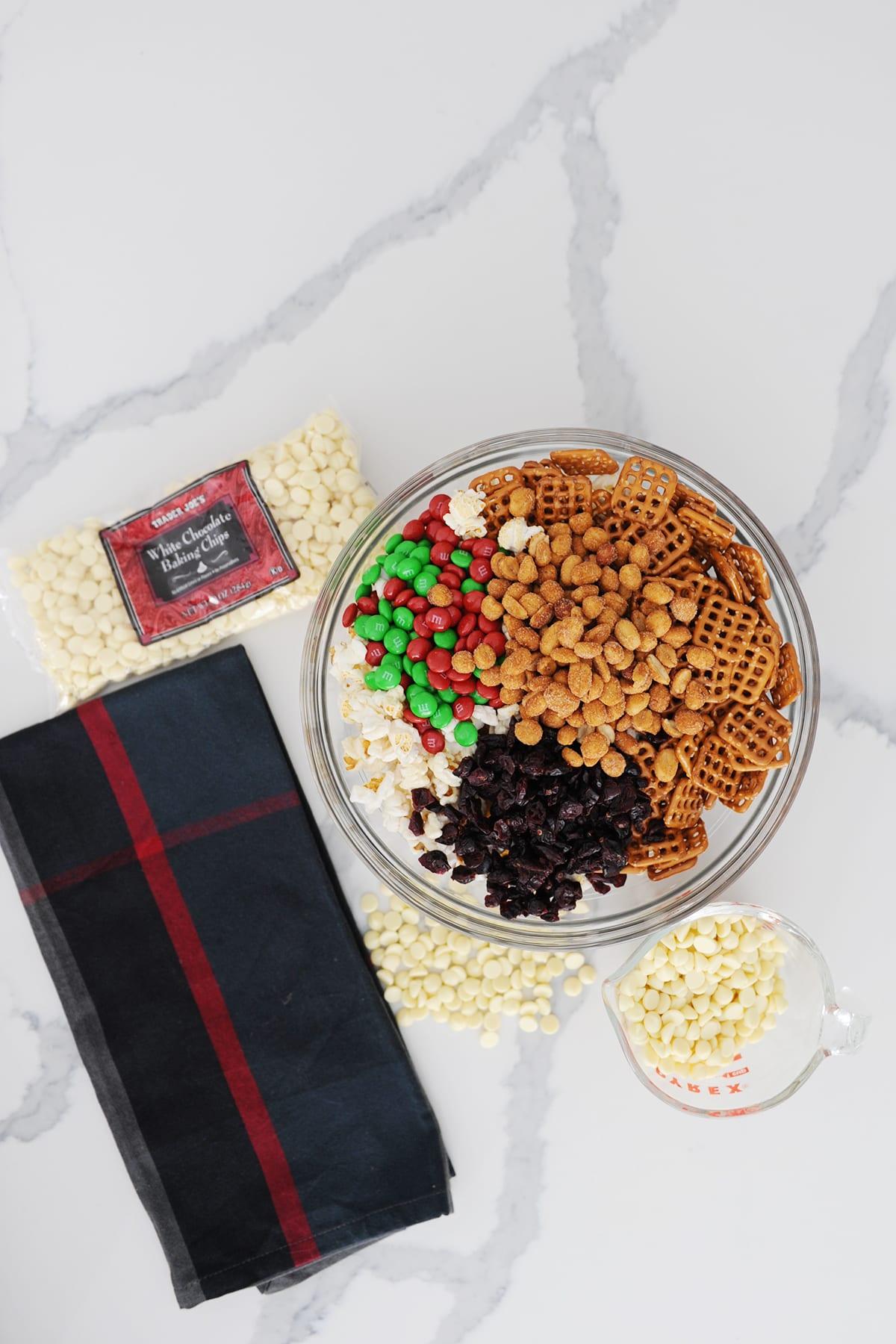 Diy party popcorn mix