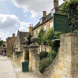 Cotswold art gallery