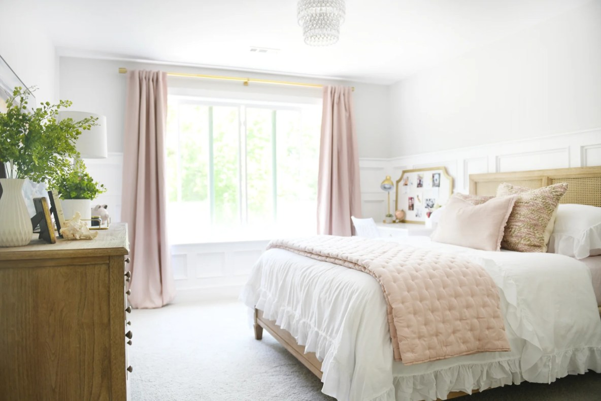 Cute Room Ideas for a Teenage Girl: Teen Bedroom Before ... on Room Decor For Teens  id=20878