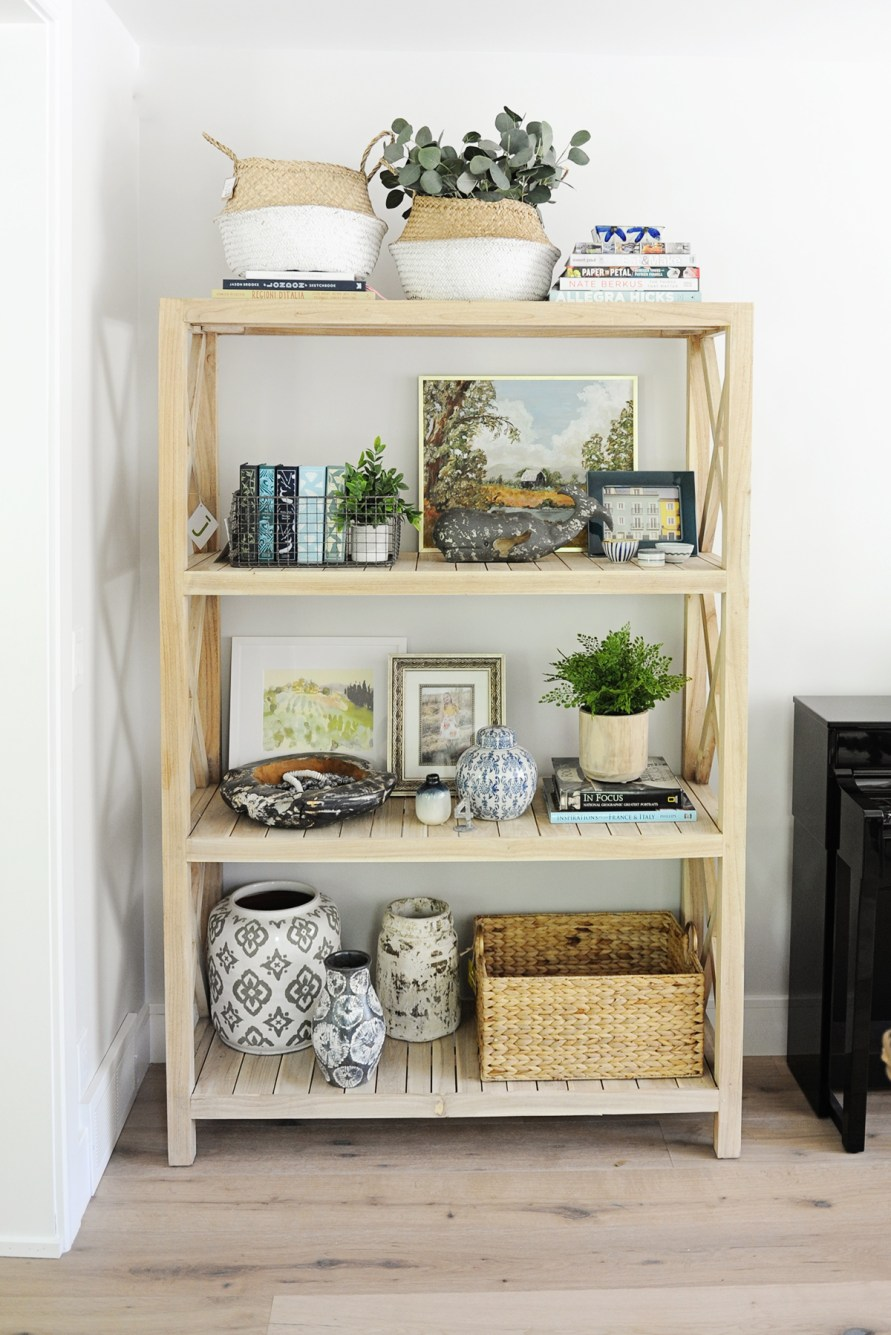 How to decorate shelves completed