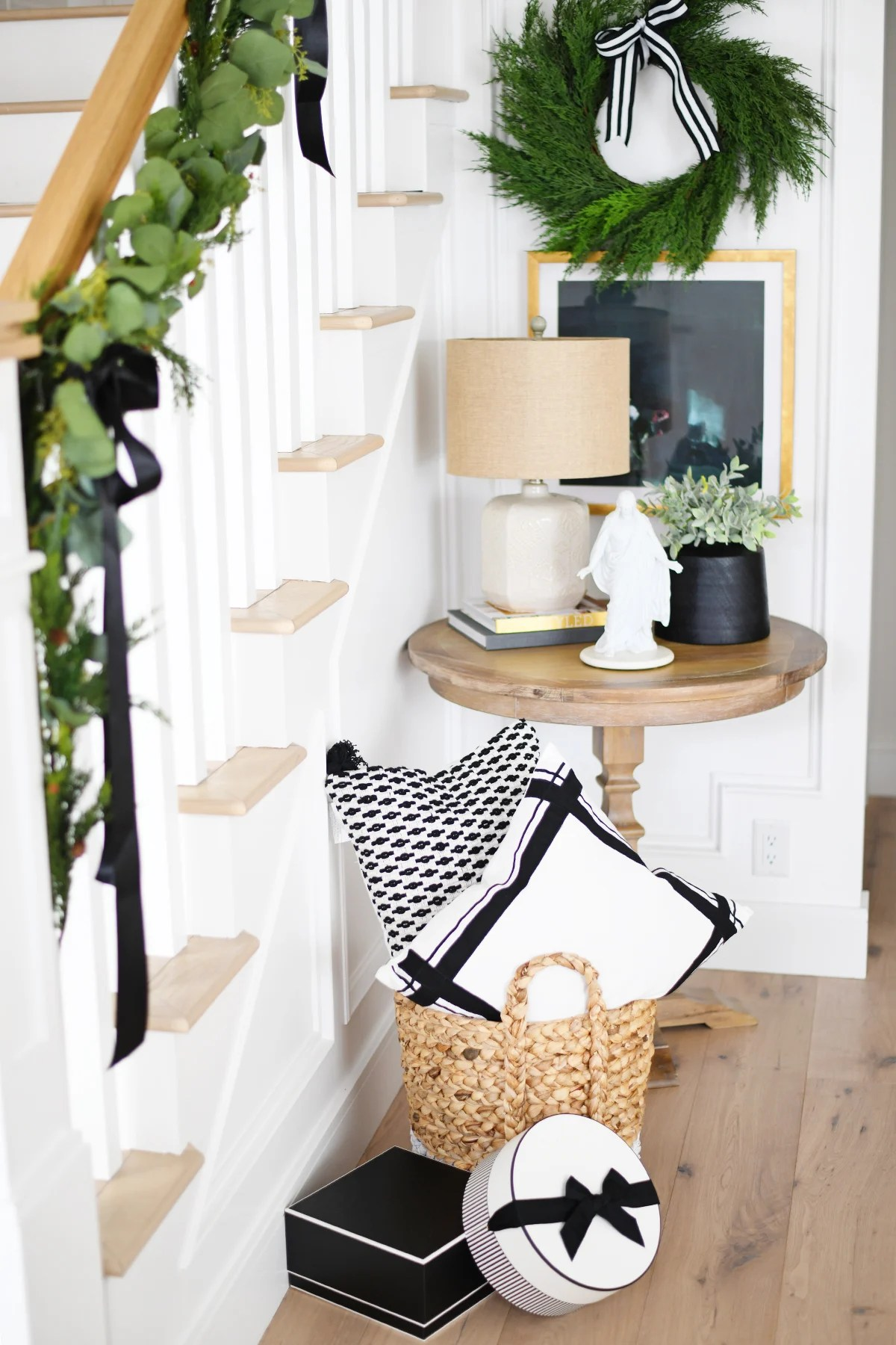 Christmas entry way decorating ideas 4