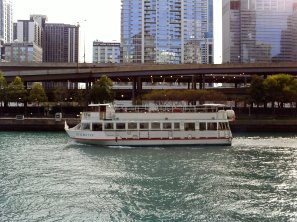 tour boat in Chicago