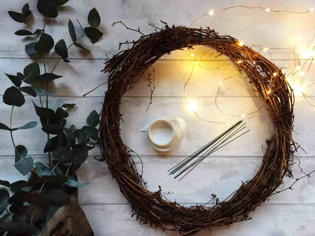 How To Make A Simple Christmas Wreath