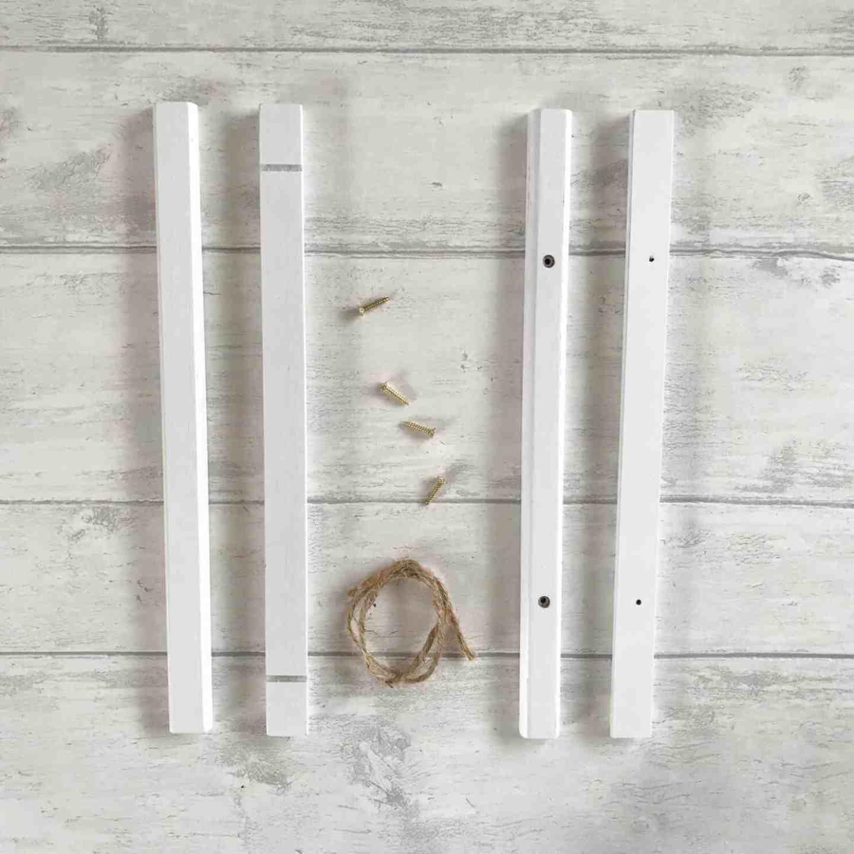 White poster hanger kit form Posterlounge