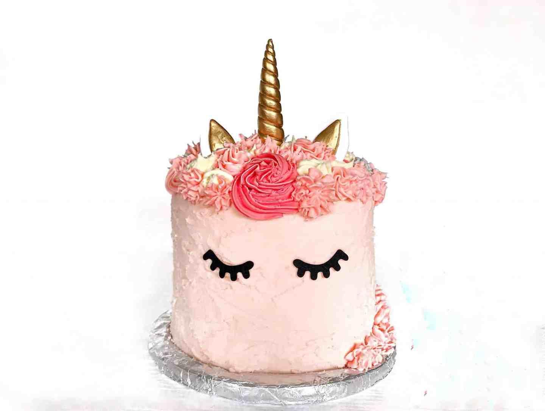 How to make a cute rainbow unicorn cake