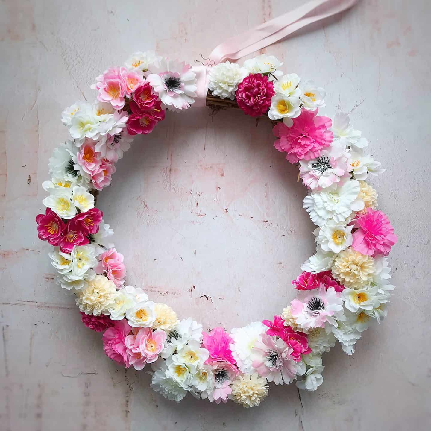 Super easy spring wreath in minutes