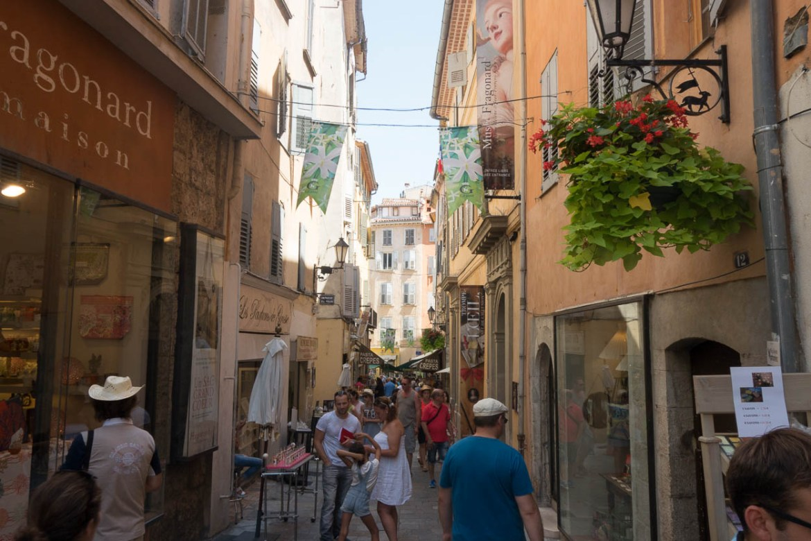 Narrow streets of the old town, Grasse