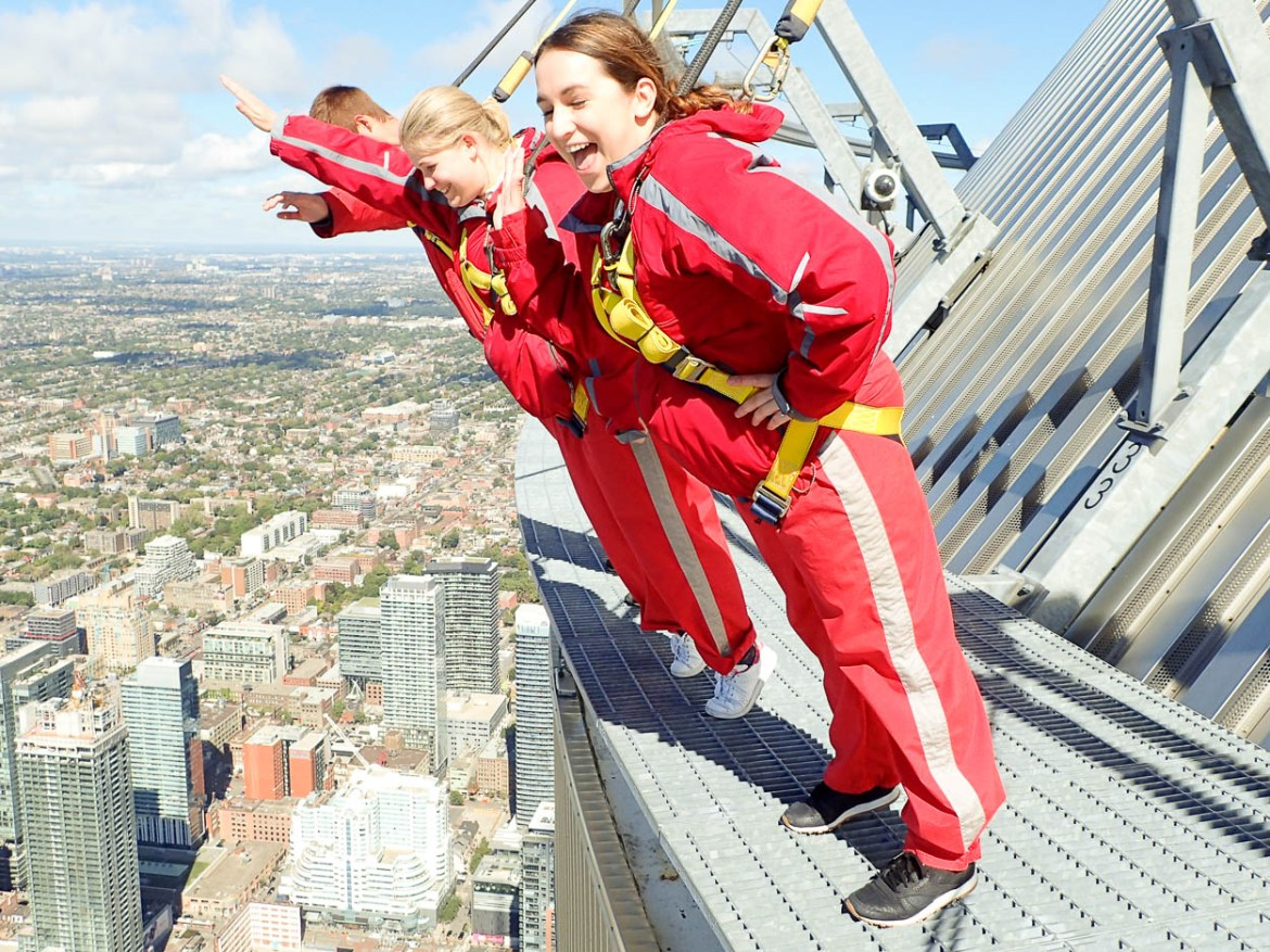 EdgeWalking at the CN Tower