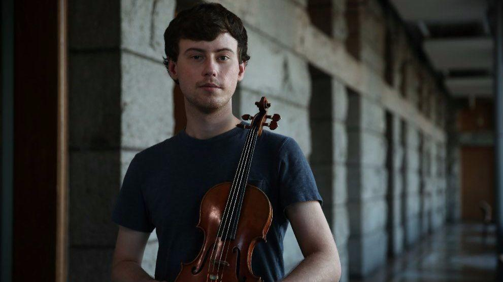 Gay Russian Violinist Finds Freedom
