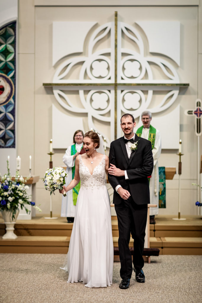 La Crosse Wisconsin Wedding | Kara + David | Pink Spruce Photography, Wedding Photographer